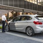 P90194365 highRes bmw 225xe 09 2015